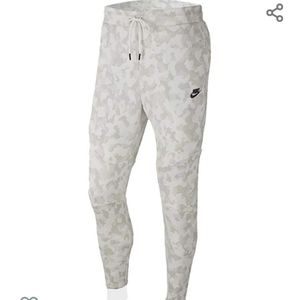 New Mens Nike Camouflage Joggers